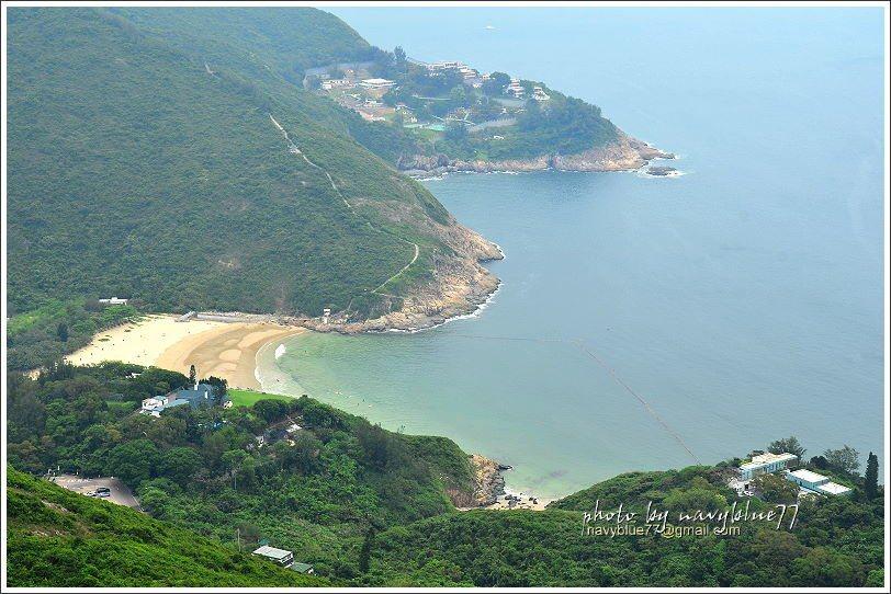 ↑由龍脊觀景台下瞰大浪灣更美。