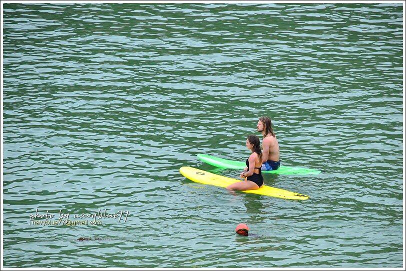 ↑大浪灣的浪形很適合沖浪,在大浪灣看著帥哥正妹沖浪,雖然自己沒有下水,也覺得清涼...