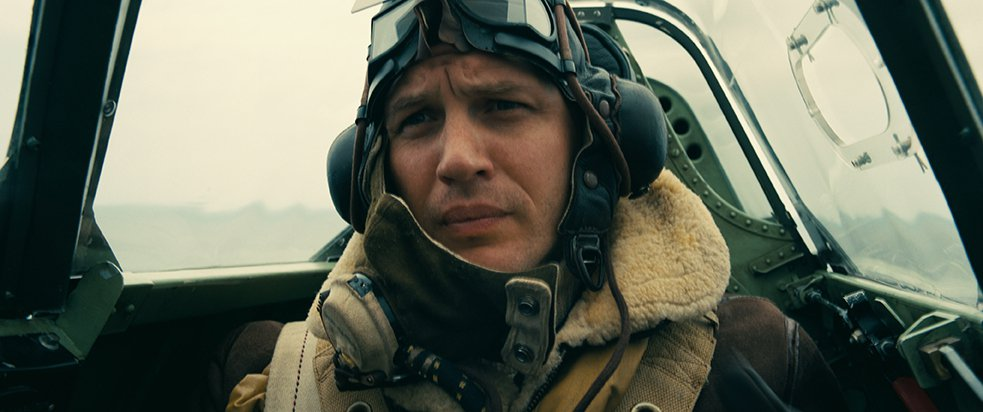 湯姆哈迪幾乎蒙面演完整部電影,被諾蘭稱讚「他只要蒙面就能演好戲」。圖/華納兄弟提...