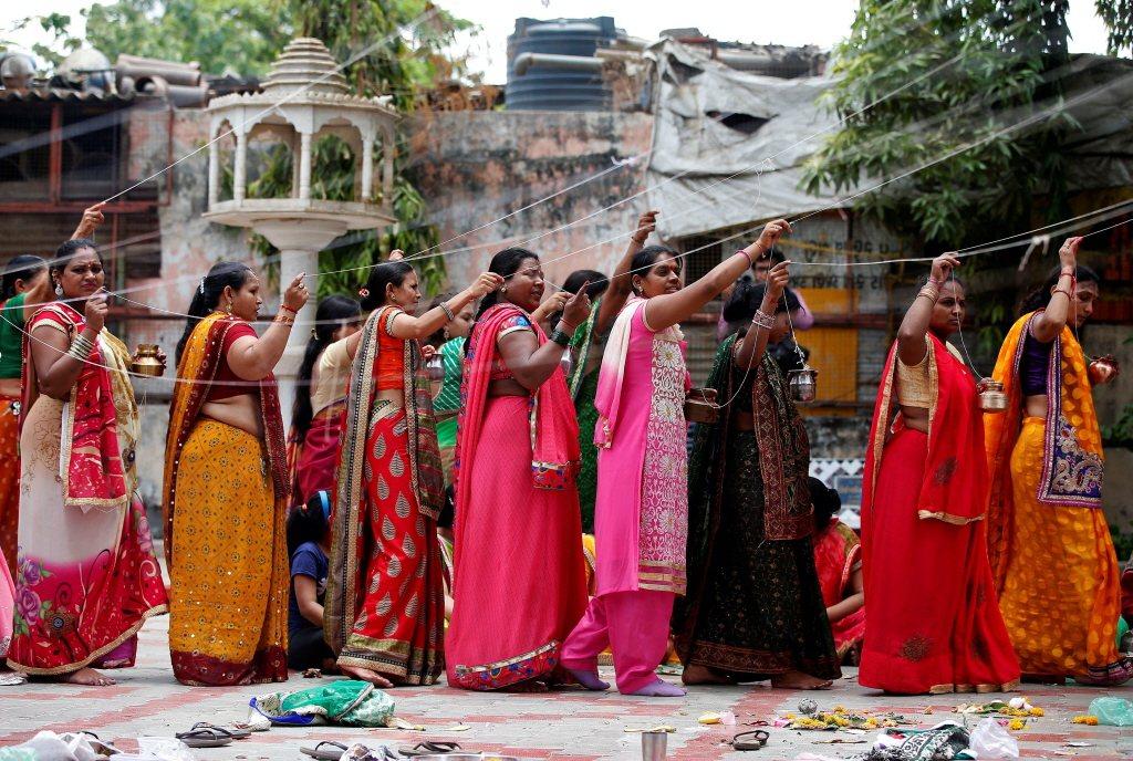 印度已婚婦女身材發福,除了部分是嫁入富裕家庭的印度女性不需勞動,最主要的原因還是...