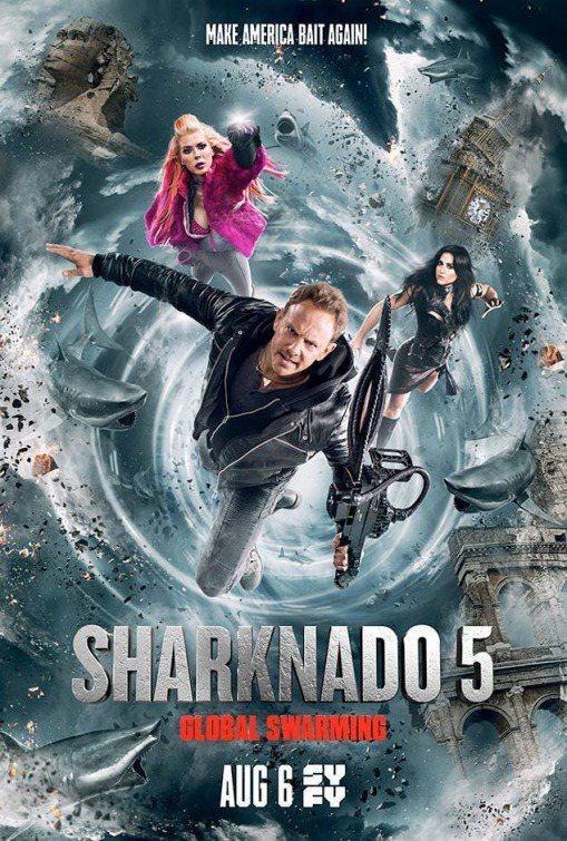「風飛鯊」(Sharknado)系列電影充斥天降鯊魚。 圖/擷自IMDb