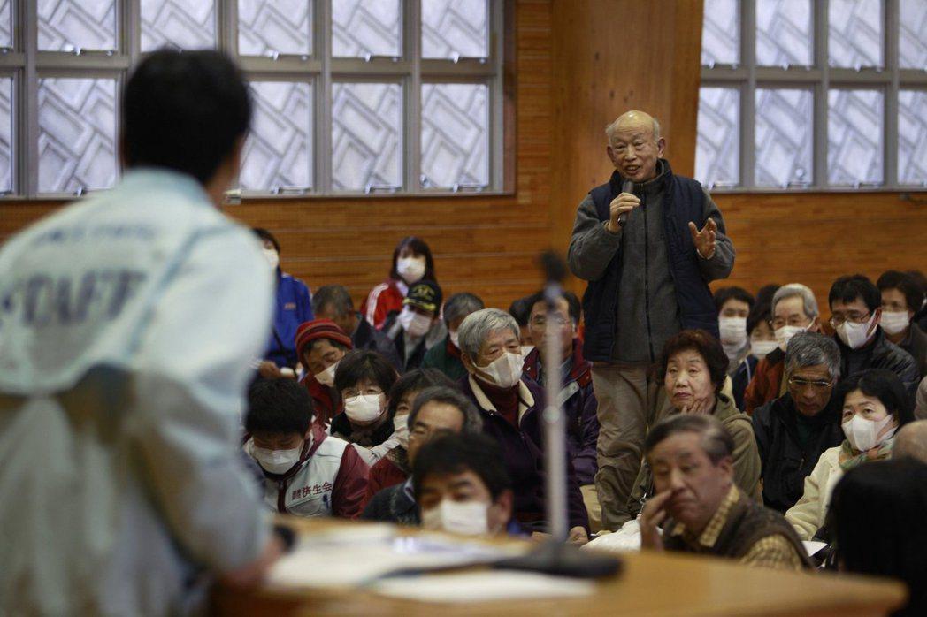 因應鄉鎮人口急速外流及老化,日本政府過去曾提出三級政府「平成大合併」或是如今的廢...