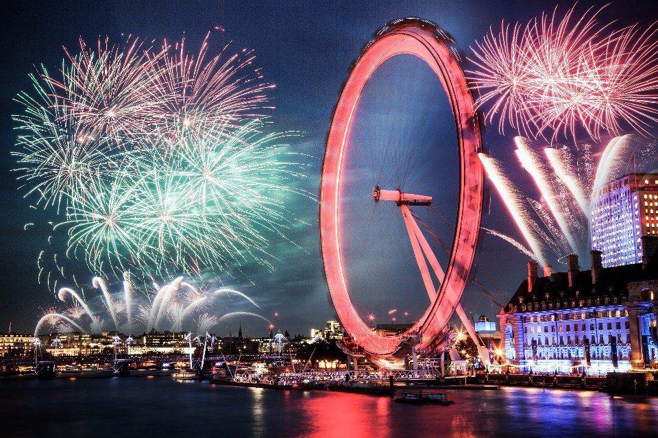 倫敦眼的煙火是世界上數一數二的精采(圖片來源:123RF)