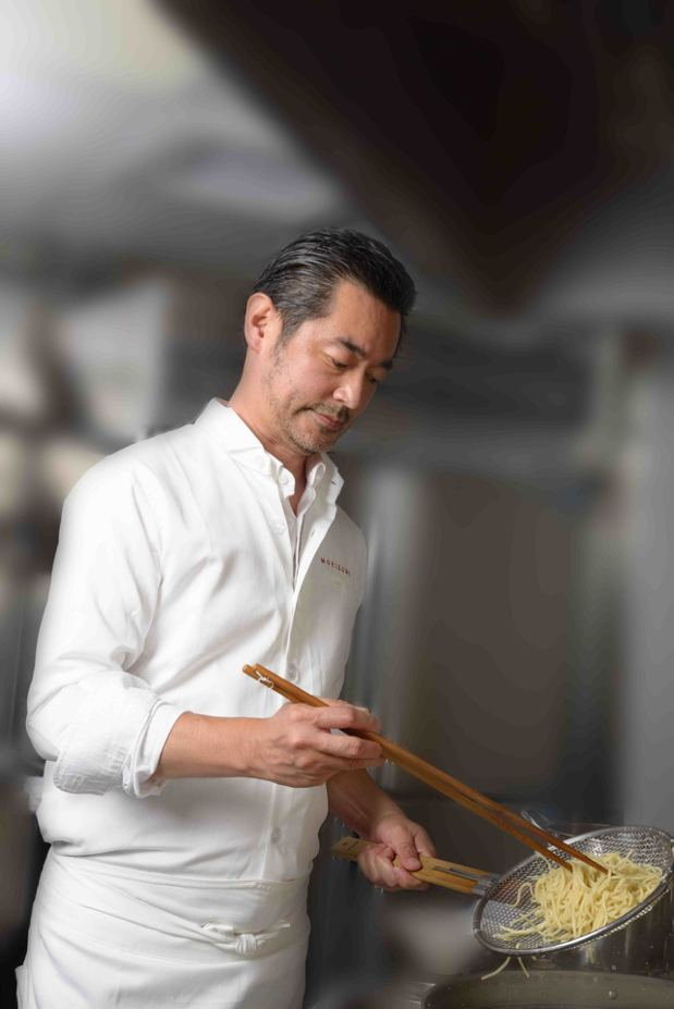 日本首位以拉麵店登上米其林一顆星的名廚森住康二,他在全台拉麵首店「MORIZUM...