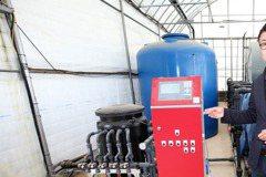 智慧農場見雪關窗 物聯網、大數據讓番茄產量翻4倍
