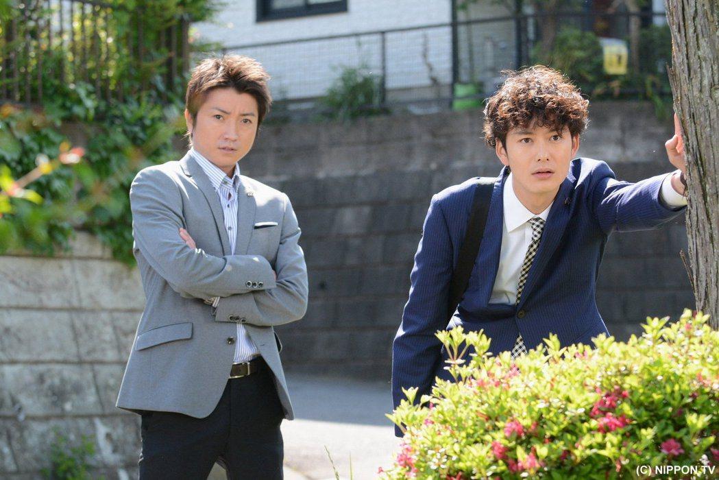 藤原龍也(左)與岡田將生新戲中聯手破案。圖/緯來日本台提供