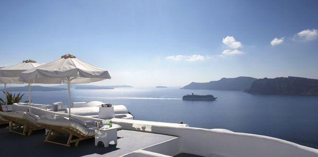 卡緹吉斯酒店將愛琴海盡收眼底。圖/KAYAK提供
