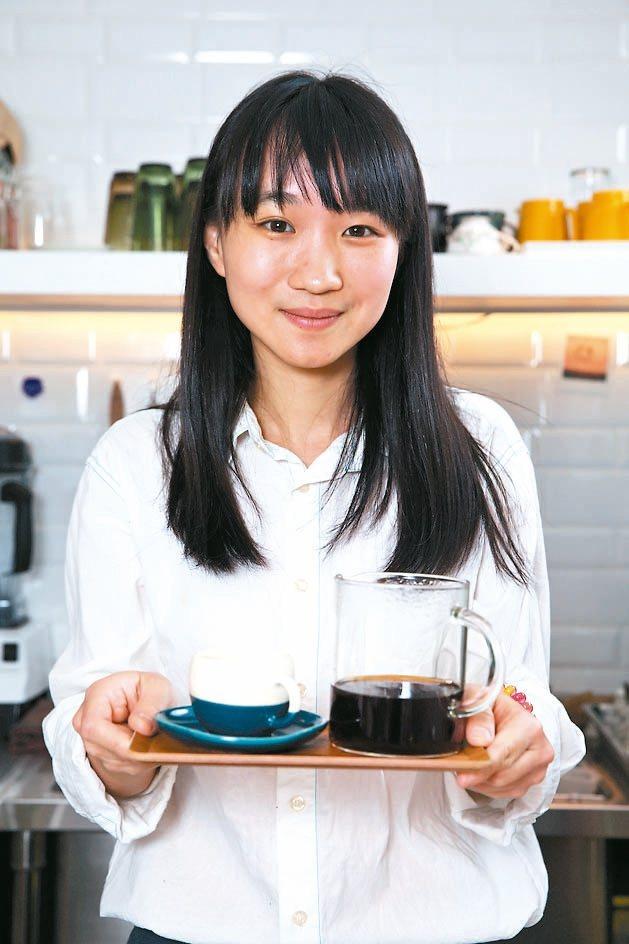 老闆盧孟圓親切大方,熱愛手沖咖啡。
