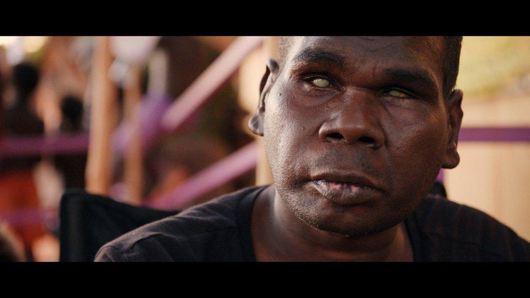 澳洲原住民盲人歌手古魯姆病逝。 圖/擷自臉書