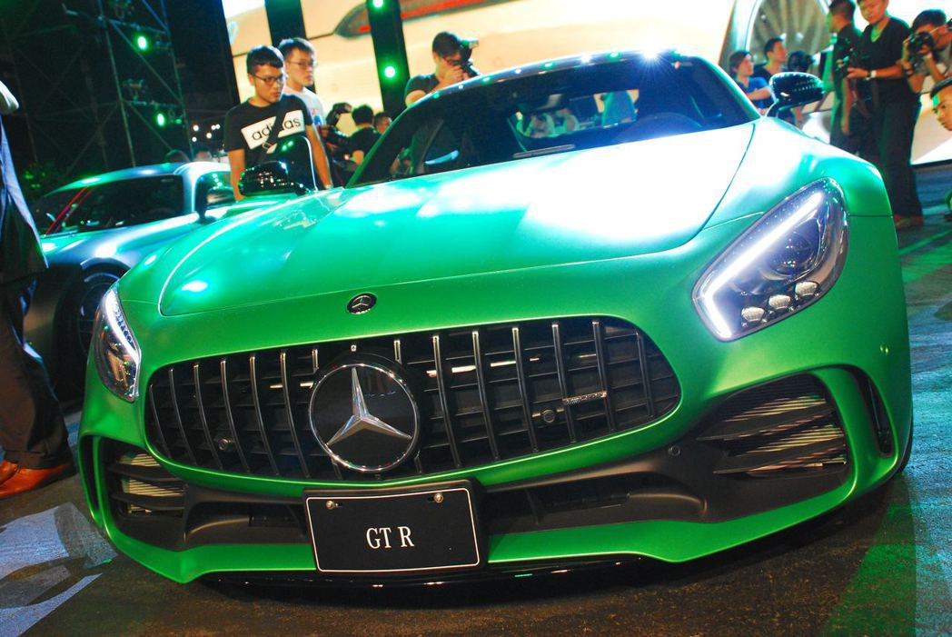 Mercedes-AMG GT R直柵式水箱護罩。記者林昱丞/攝影