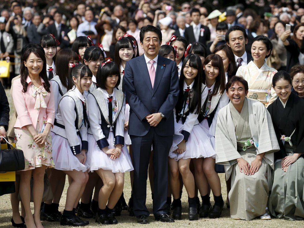 2013年安倍內閣設立了「酷日本基金」,扶持有意進軍海外、且能發揮日本文化與風格...