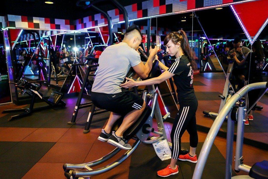 台灣近年掀起健身風潮,台灣營養基金會表示吃太少,短期雖可看到減重效果,但長期恐影...