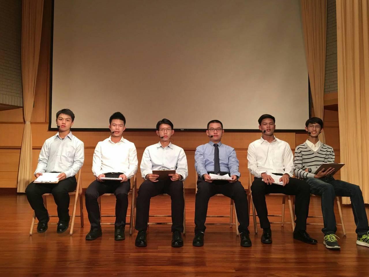 臺南一中學生演出黃春明〈莎喲娜啦・再見〉。圖/臺南一中提供