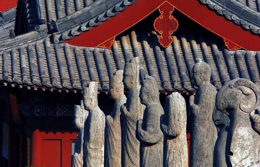 澶淵之盟這段歷史常被過去的中國史家視為藉由「歲幣」買和平的「恥辱」,但百年和平終...