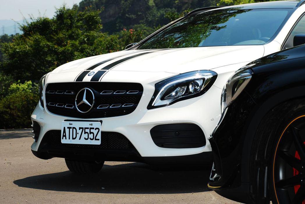 Mercedes-Benz GLA200與AMG GLA45。記者林昱丞/攝影