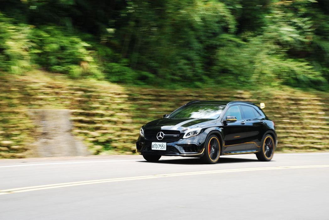 Mercedes-AMG GLA45。記者林昱丞/攝影