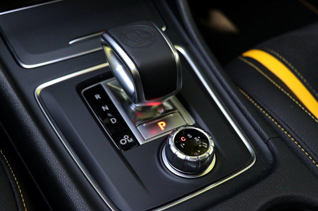 GLA45 4Matic變速箱採用七速雙離合器系統。 記者陳威任/攝影