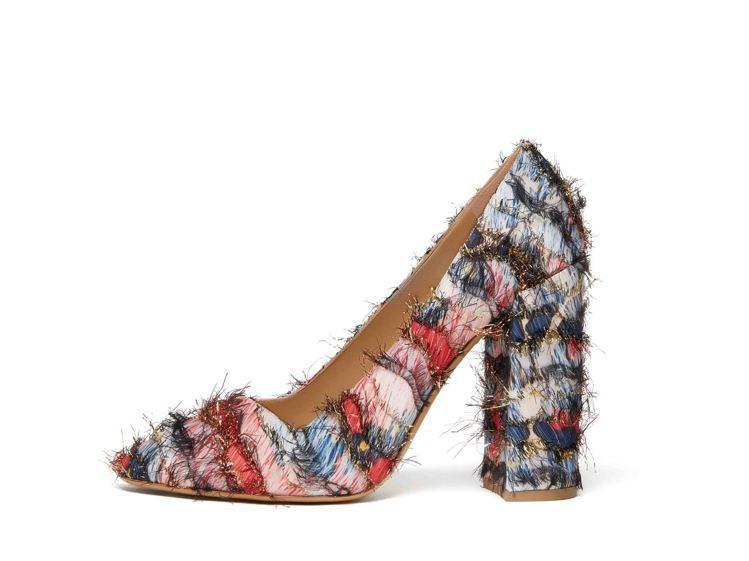 AREZZO多色拼接粗高跟鞋,24,900元。圖/Ferragamo提供