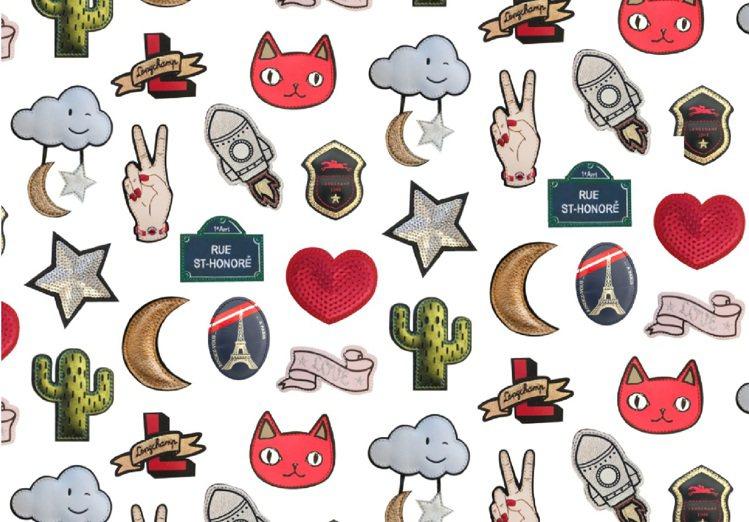 Longchamp今夏推出14種立體皮革徽章,讓時尚女孩自由搭配。圖/Longc...