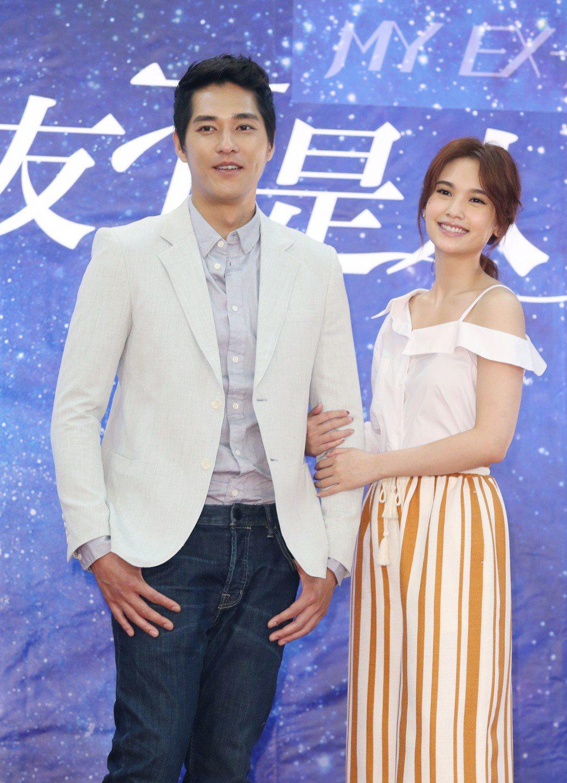 楊丞琳、藍正龍出席「前男友不是人」開鏡記者會。記者林俊良/攝影