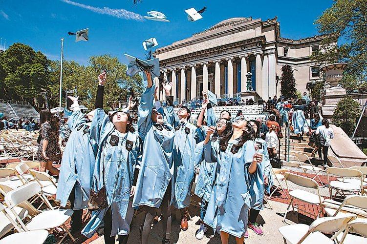 多家銀行有開辦留學貸款,讓青年學子一圓留學夢。 (本報系資料庫)