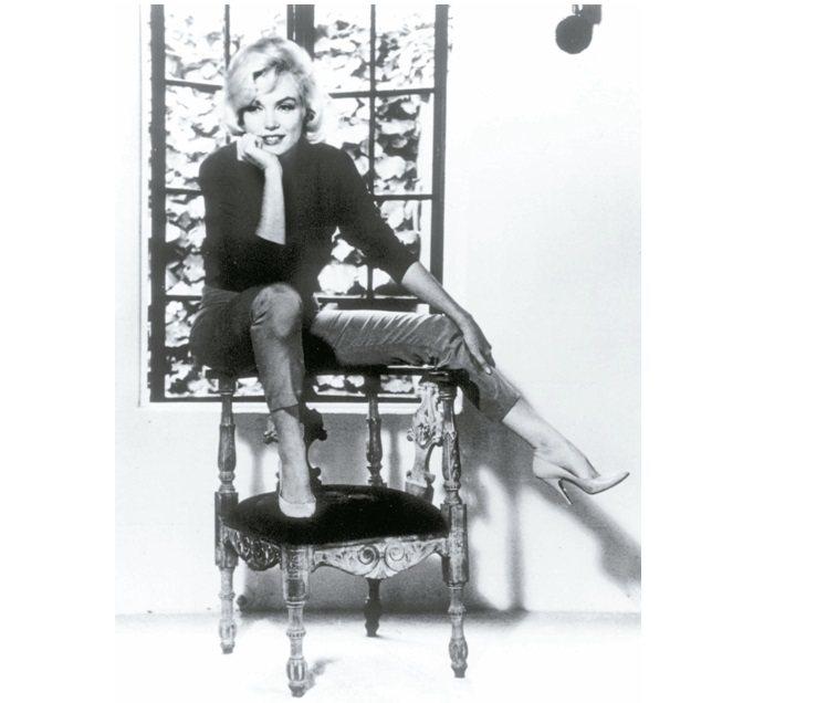 瑪麗蓮夢露穿著Ferragamo設計的高跟鞋。 圖/Ferragamo提供