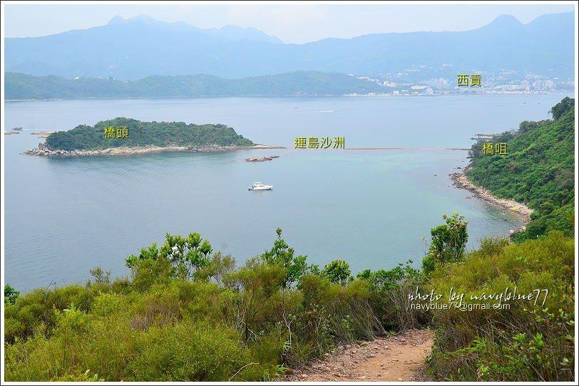 ↑由黑山頂附近下瞰橋頭島,出埃及記的香港版快上映了,趕緊下山去。