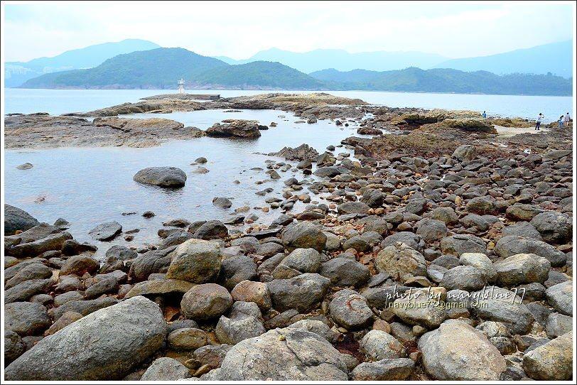 ↑續行步道到橋頭島的最西端,在完全退潮時甚至可以走到青洲燈塔。