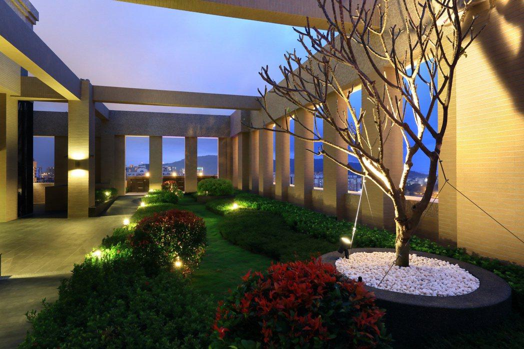 空中花園是另一處眺望星空的好去處。 圖片提供/永信建設