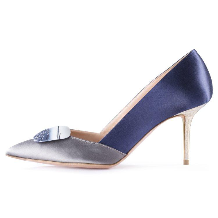 全新Shadow系列靛藍鞋款,售價76,800元。圖/R • SANDERSON...