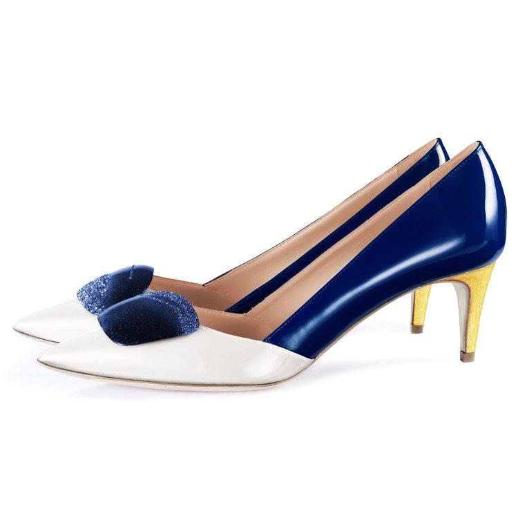 全新Shadow系列海軍藍鞋款,售價76,800元。圖/R • SANDERSO...