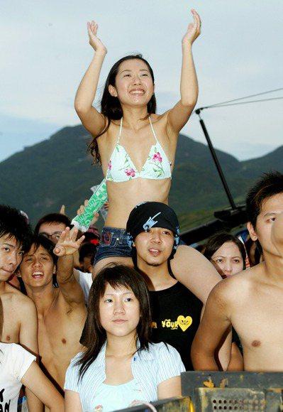 2005貢寮海洋音樂祭。 報系資料照