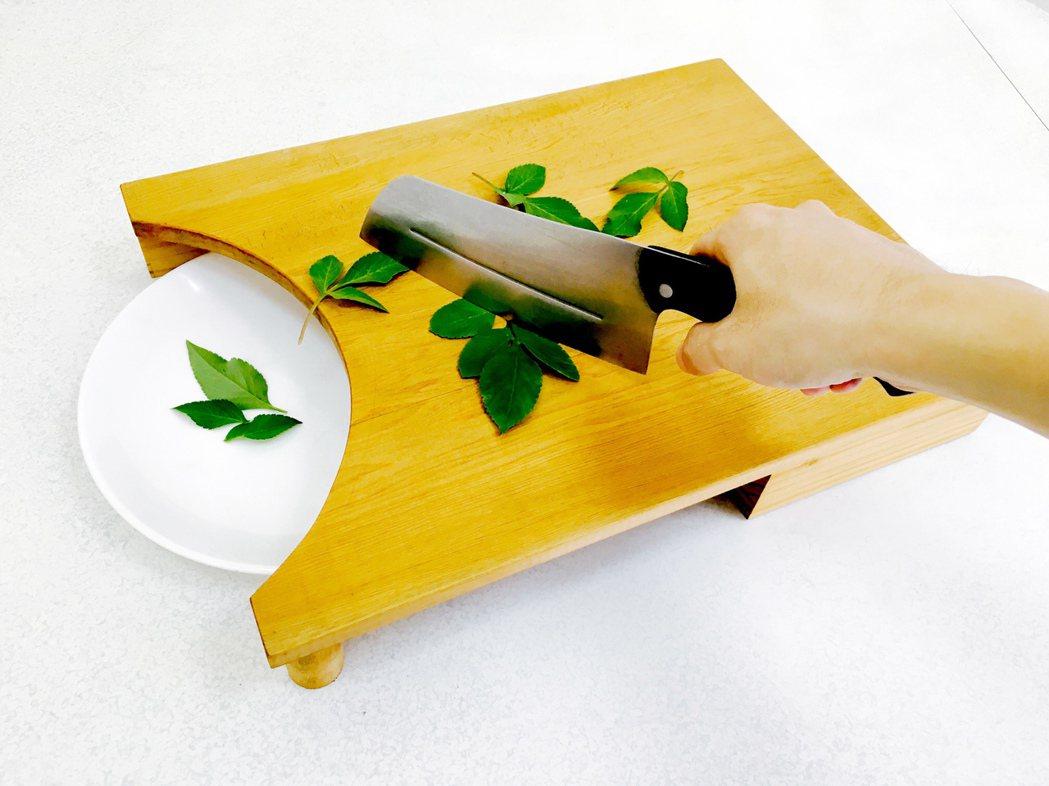 砧板和刀具、鍋具、爐火一樣,是廚房不能缺少的工具,說起來,這些工具都跟煮食者的健...