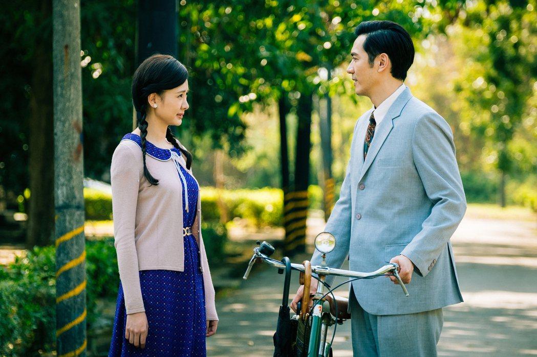 李至正(右)與安心亞合作「五味八珍的歲月」。圖/好風光提供