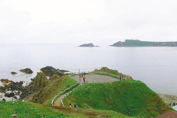 晴天時可於須古頓海角看見庫頁島。 記者沈佩臻/攝影