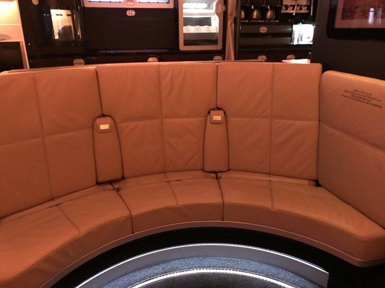 酒吧的座位。圖文來源:TripPlus