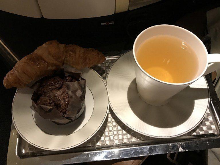 降落前的早餐。圖文來源:TripPlus