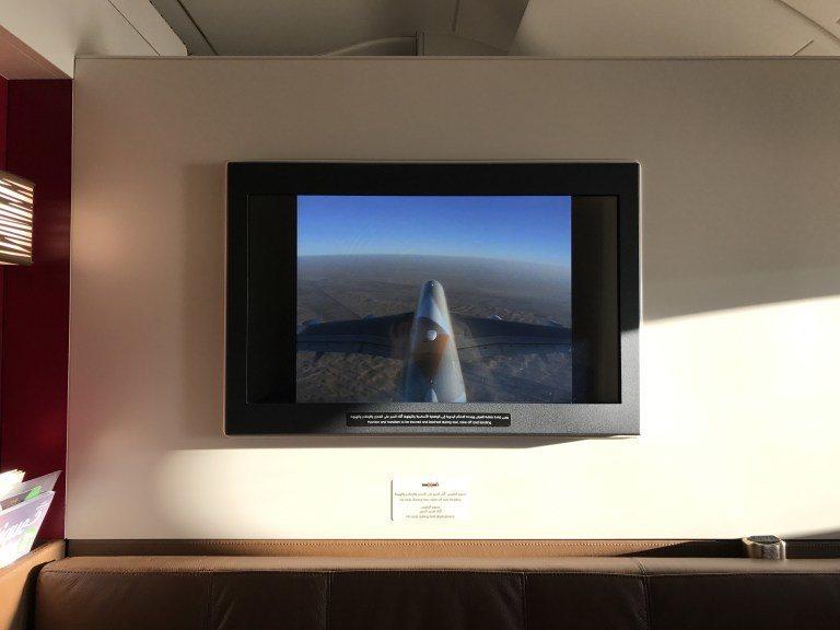 降落前,可以從機外攝影機,看到外面的風景。圖文來源:TripPlus