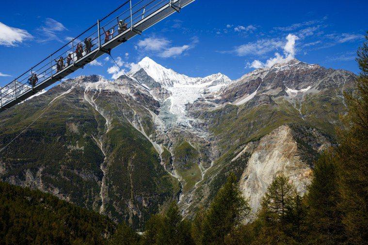 瑞士的全球最長行人吊橋「歐洲大橋」(Europe Bridge)。歐新社