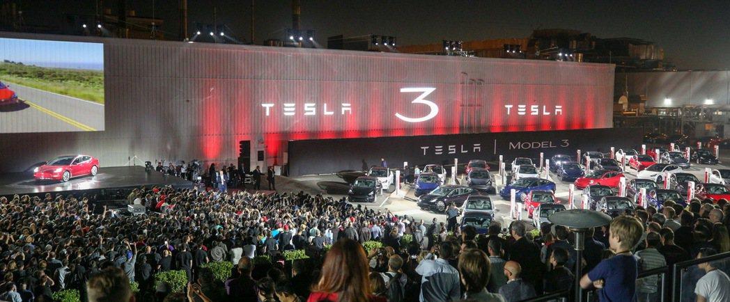 Tesla Model 3交車儀式。圖/Tesla提供