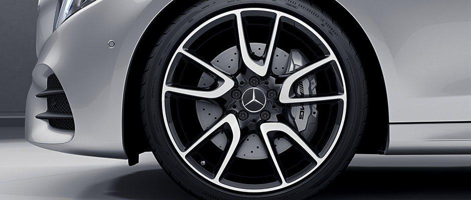 Dieter Zetsche不願為最近Daimler集團所捲入的柴油風暴發表評論。 摘自Mercedes-Benz