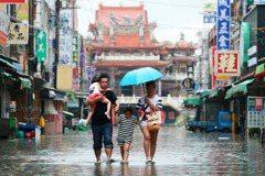 楊貴智/颱風「假」到底該不該放?怎麼放比較公平?