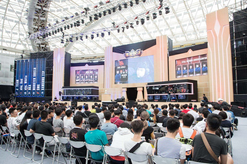 「SMG」不負老闆林俊傑期望,第一天賽程便豪取兩勝。