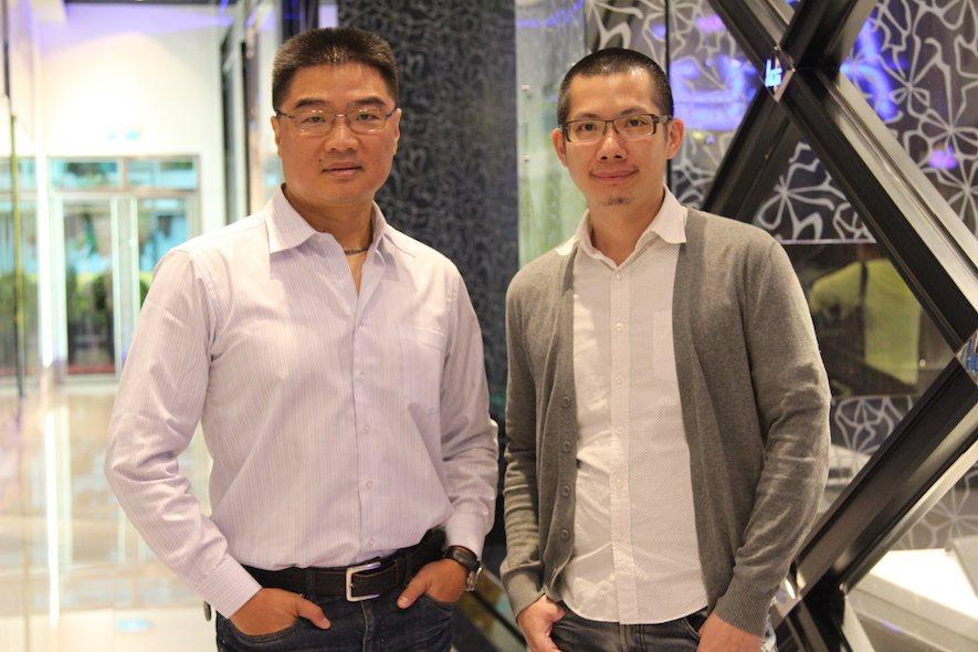 (圖)風格率性大方的O+歐加智能™ Oplus 吳漢元總經理(左)及認真專業的 ...