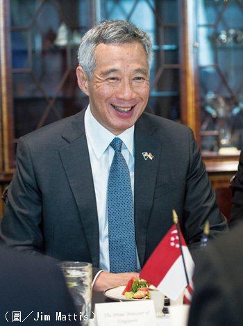 現任新加坡總理李顯龍。