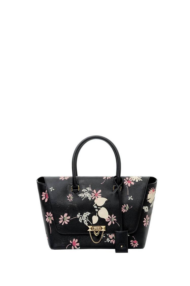 Valentino Garavani 花朵圖紋刺繡提包,11萬9,000元。圖/...