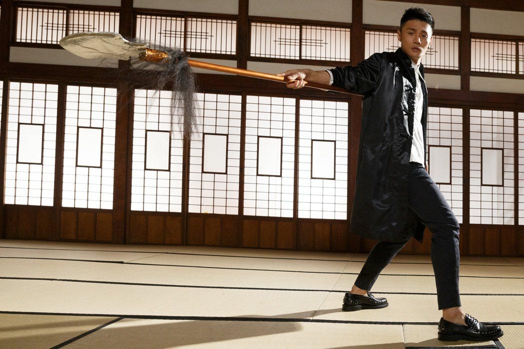 李榮浩的全新單曲「裙姊」 ,向京劇藝術大師梅蘭芳致敬。圖/華納音樂提供