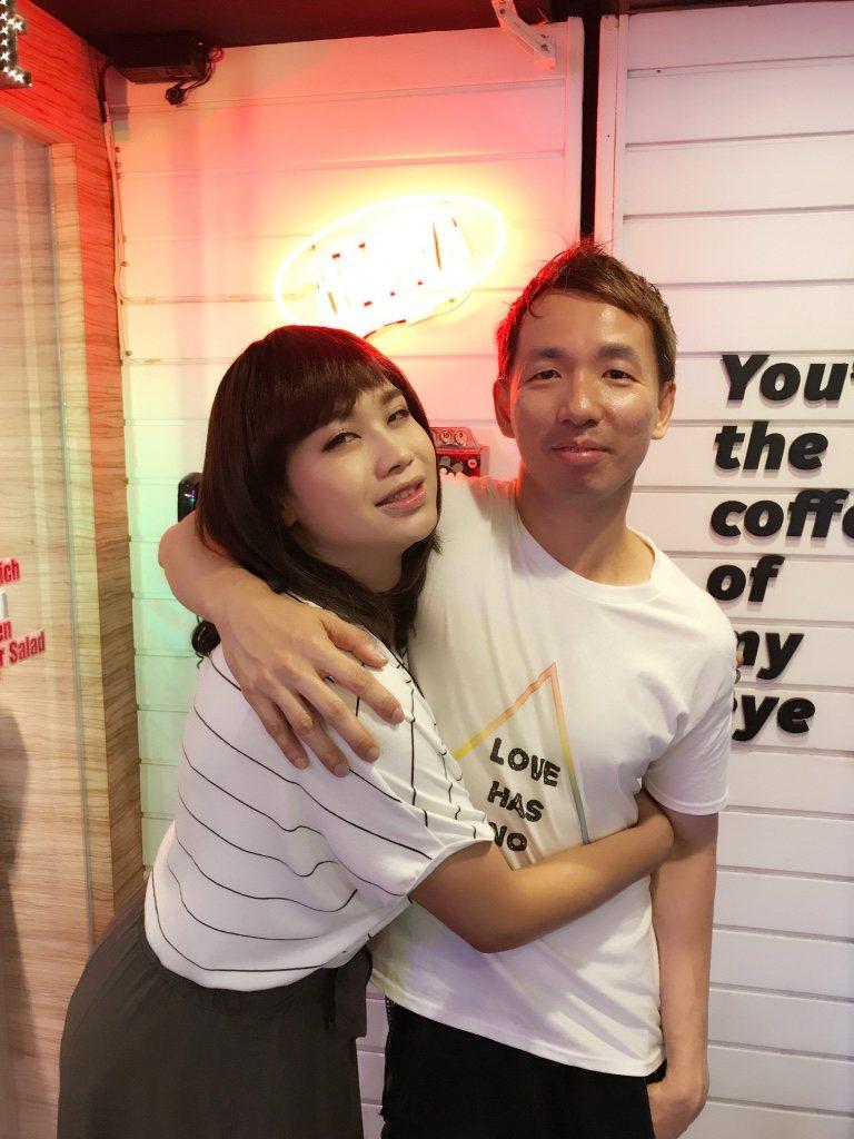 微電影「Julia」主角布雷德(左),與導演陳偉豪。圖/米豆國際娛樂提供