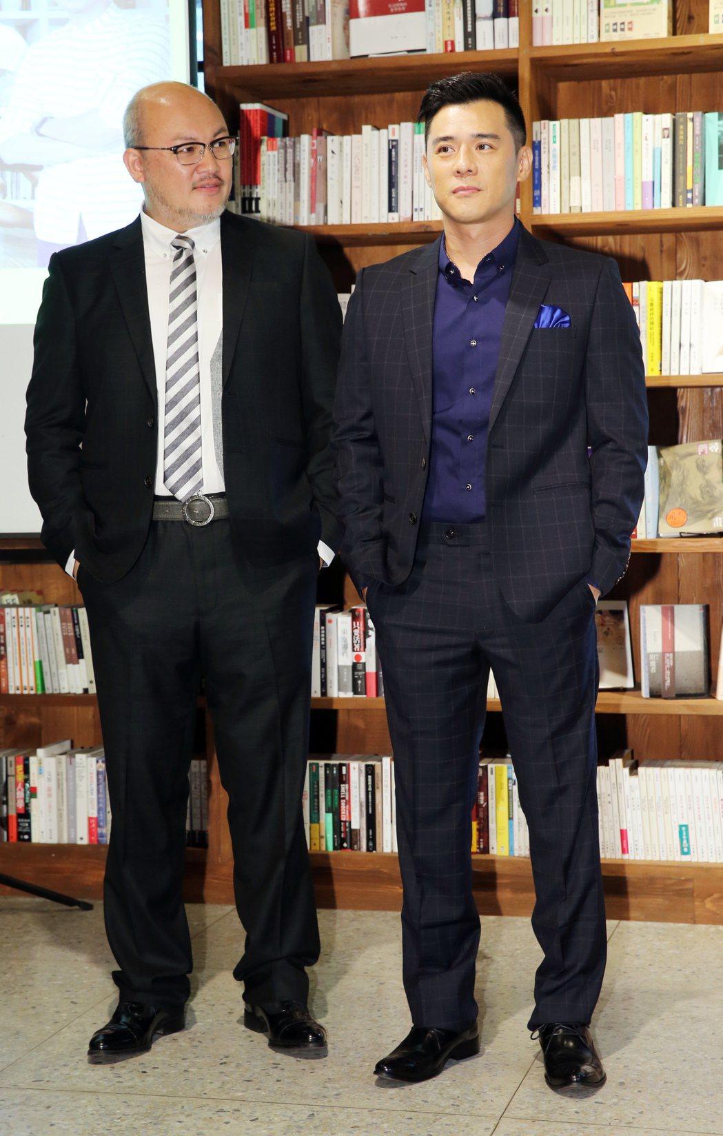劉亮佐(左)及竇智孔(右)出席《莊子兵法》演出及加演開賣記者會。記者徐兆玄/攝影
