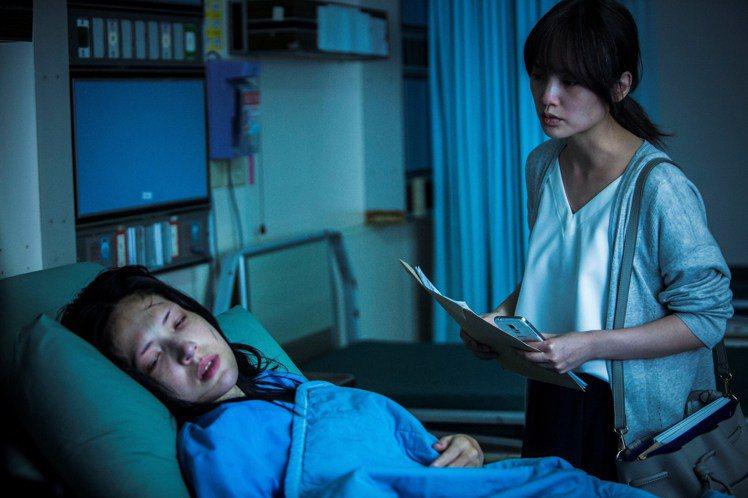 許瑋甯與楊丞琳在《紅衣小女孩2》有不少對手戲。圖/威視提供